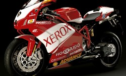 Nuove carene per Ducati 999 e 749